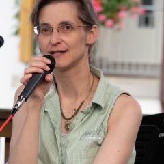 Manuela: Gesang, Gitarre